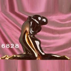 Статуэтки Galos (Испания) - Черная Мини Омега - 20 x 18 см. (фарфор, покрытие платиной, золотом)