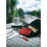 Набор Victorinox - SwissCard - 82 Х 54 Х 4 мм, 10 функций полупрозрачный красный (0.7100.T)