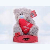 Игрушка плюшевая MTY (Me To You) -  мишка держит сердце Hugs Kisses 15 см (арт. G01W1726)