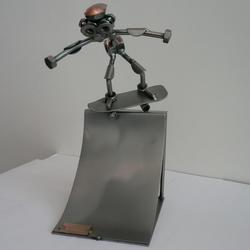 Статуэтки Hinz and Kunst (Германия) - Скейтбордист - 25 x 15 см. (металл)