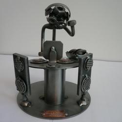 Статуэтки Hinz and Kunst (Германия) - Диск-жокей - 16 x 13 см. (металл)