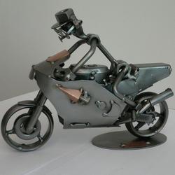 Статуэтки Hinz and Kunst (Германия) - Гоночный мотоцикл - 17 x 22 см. (металл)