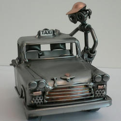 Статуэтки Hinz and Kunst (Германия) - Таксист - 15 x 15 см. (металл)