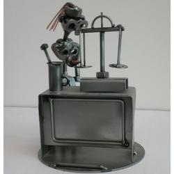 Статуэтки Hinz and Kunst (Германия) - Фармацевт (подставка для визиток) - 18 x 13 см. (металл)