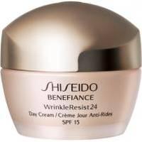 Shiseido - Увлажняющий антивозрастной дневной крем для лица Benefiance WrinkleResist24 Day Cream SPF15 - 50 ml